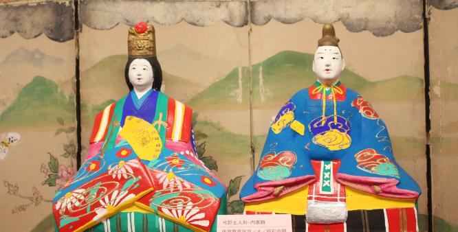 日本の伝統人形の写真