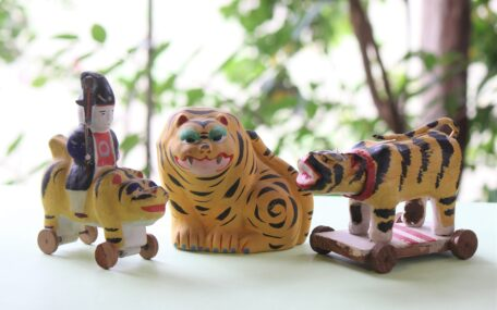 「虎の郷土玩具」の画像